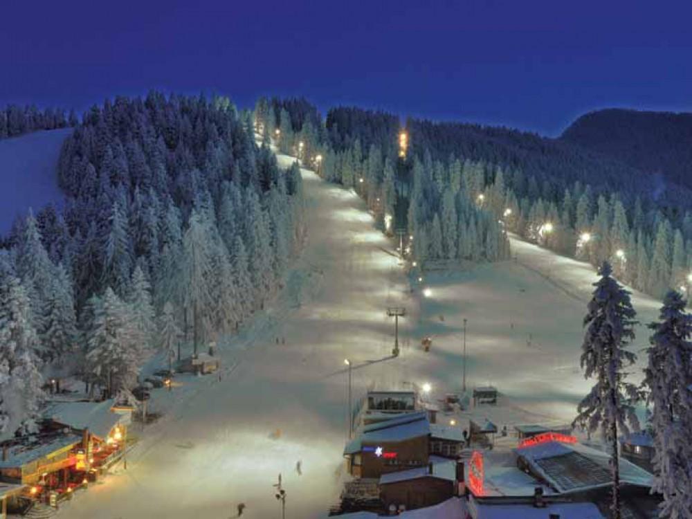 Боровец - ски, сноуборд през деня и през нощта
